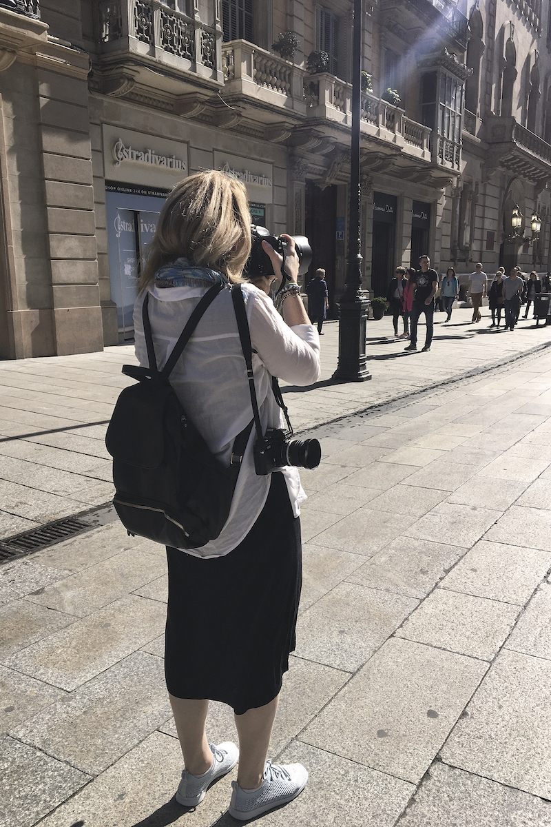 aleyah-solomon-here-&-there-magazine-taking-photos-streets-of-barcelona.jpg