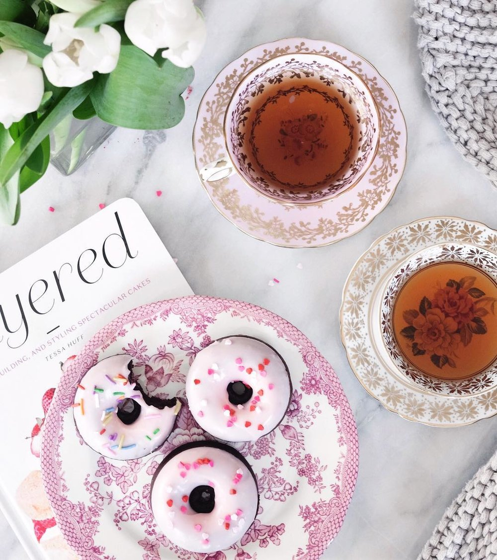 sabrina-stavenjord-my-miaou-donuts-and-tea.jpg