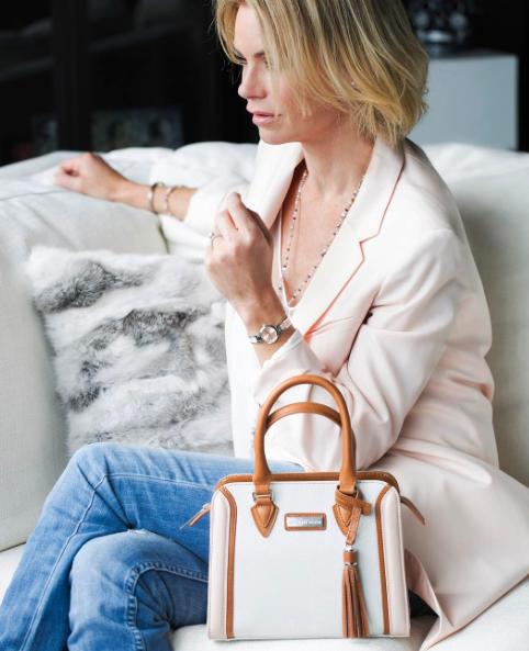 caroline-neron-jewelry-handbag.png