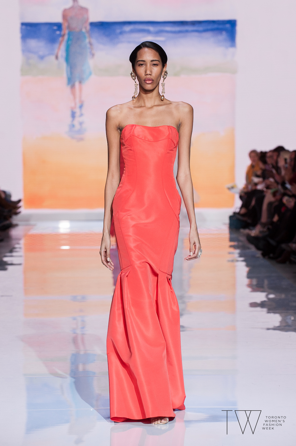 david-dixon-dr-john-semple-tw-toronto-womens-fashion-week-photo-credit-che-rosales-coral-look-1.jpg