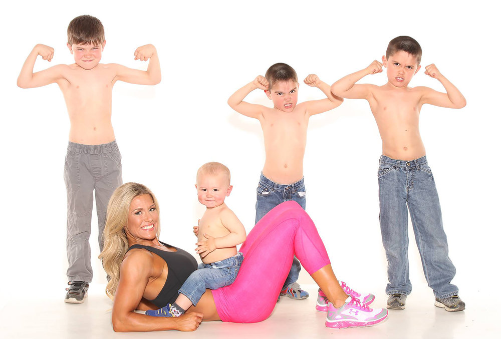 nichelle-laus-fitness-expert-personal-trainer-with-4-kids.jpg