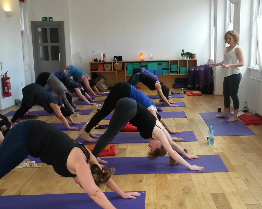 Jeni teaches regular classes in Central London