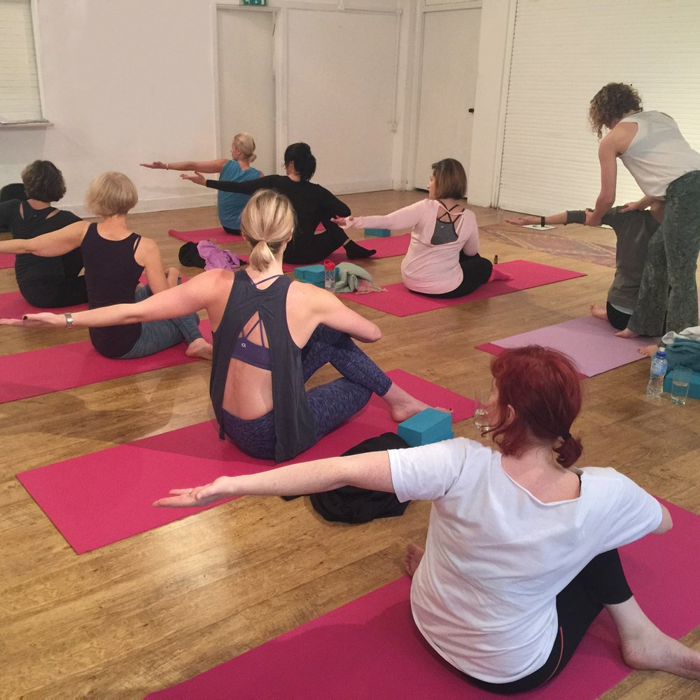 AROMA YOGA - Clarity & Inversions 10:30am- 12:30pm Sunday 29th Jan 2017 @ Only Connect, 32 Cubitt Street, London  WC1X