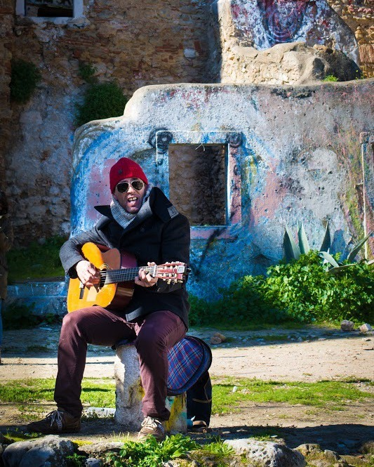 Live music on the walk to St. Jorge Castle in Lisbon.  #lisbon #streetphotography #peoplewatching #nikond610 #50mm #guitar #castelodesaojorge #lsiboa #travel
