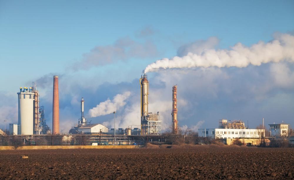"""Die Verbrennung fossiler Kraftstoffe ist schlecht für das Klima. Sie ist aber auch sehr schlecht für den Menschen. Die Auswirkungen von Luftverschmutzung wird uns von der OECD in ihrem Bericht """"The Economic Consequences of Outdoor Air Pollution"""" dramatisch vor Augen geführt. Aufgrund von Luftverschmutzung sterben jedes Jahr 3 Millionen Menschen vorzeitig. Bis 2060 soll sich diese Zahl im schlimmsten Fall verdreifachen."""