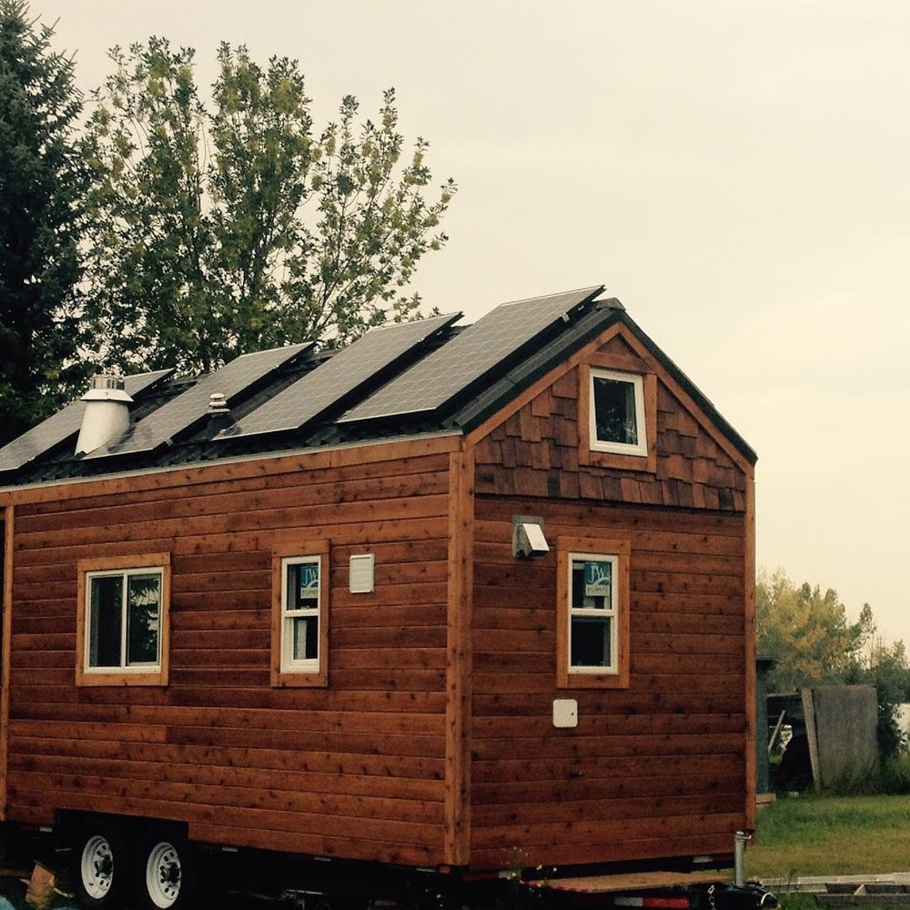 Leah Neigum's Beautiful Solar Powered Tiny House