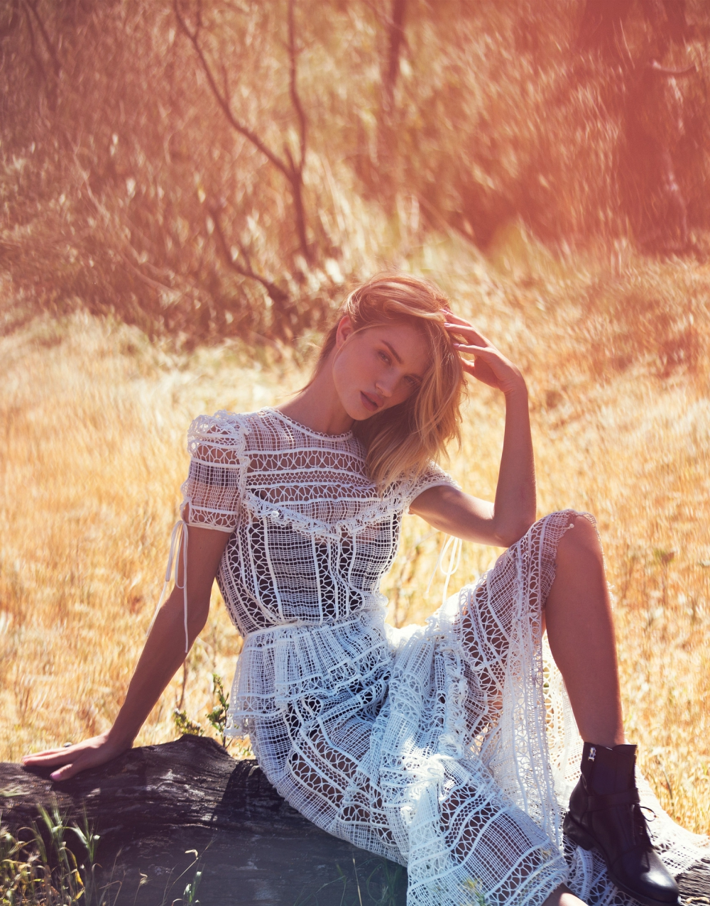 rosie-huntington-whiteley-by-david-bellemere-for-the-edit-april-2015-1