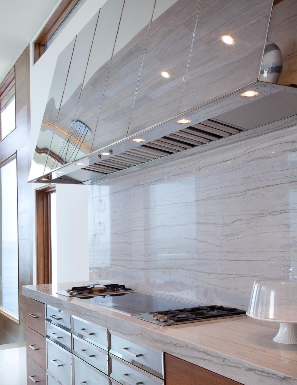 hood:kitchen.jpg