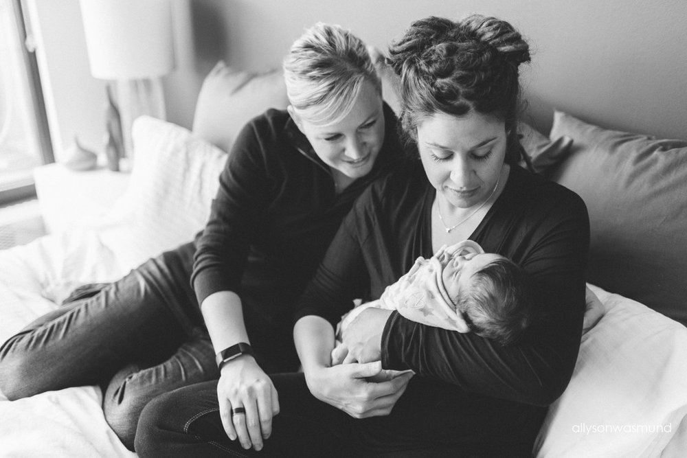 twin-cities-newborn-photographer_0910.jpg