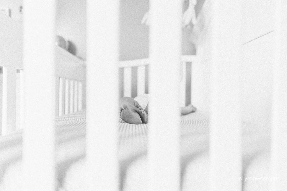 twin-cities-lifestyle-newborn-photographer_0165.jpg