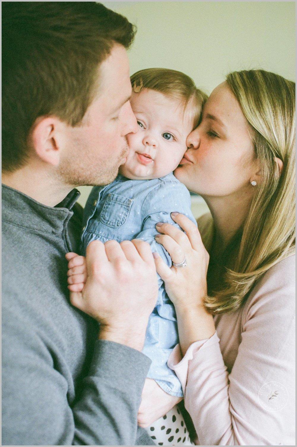 minnetonka-baby-milestone-lifestyle-film-photographer_0055.jpg