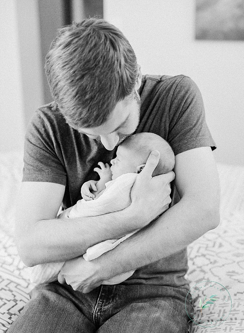 st-paul-mn-at-home-newborn-photography-baby-nels_0010.jpg