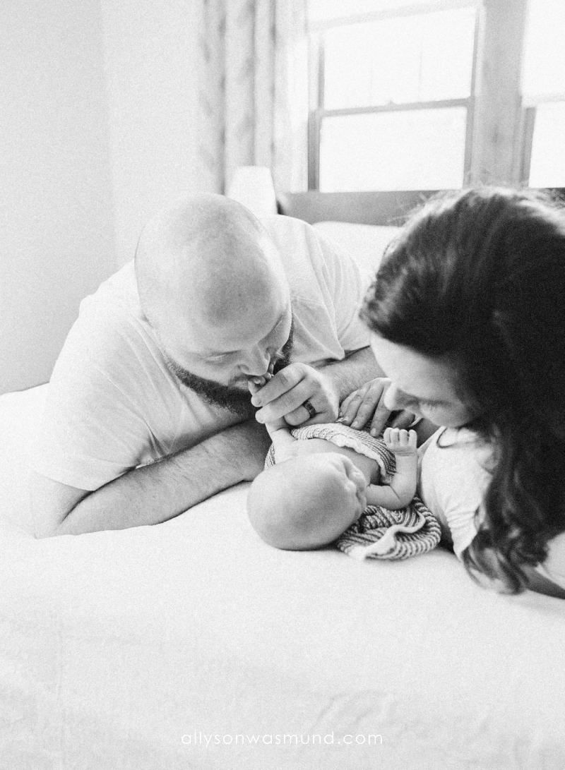 west-st-paul-mn-newborn-film-photographer_0004.jpg