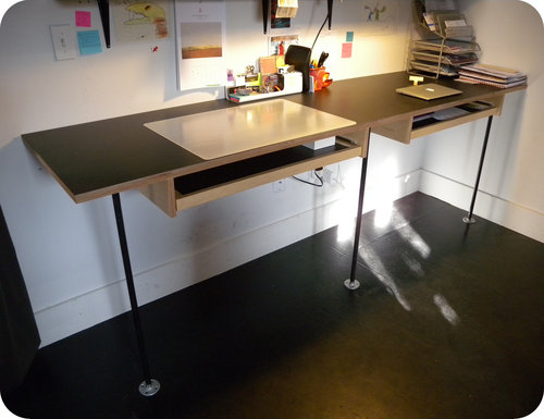 Office desk with pull-out work surface
