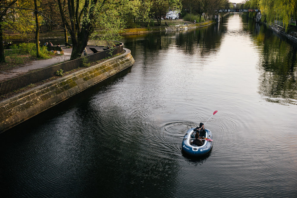 Springtime raft paddlers, Landwehrkanal.