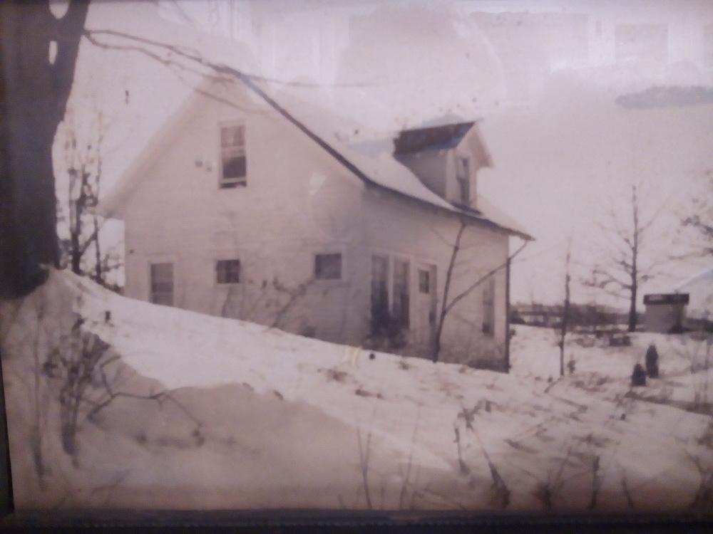 STREAM HOUSE, 1935