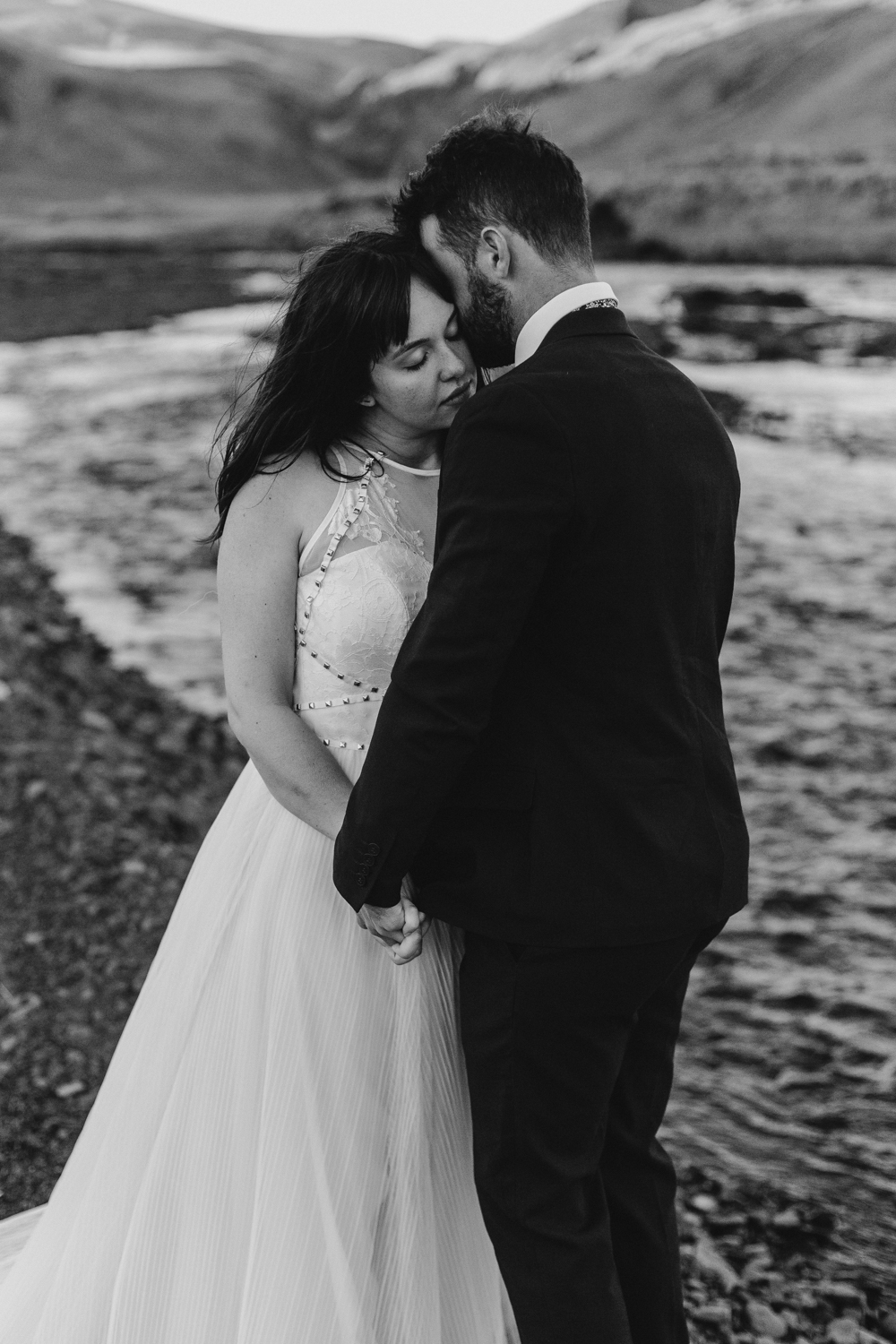 anna szczekutowicz iceland wedding photogapher elopement photographer-138.jpg
