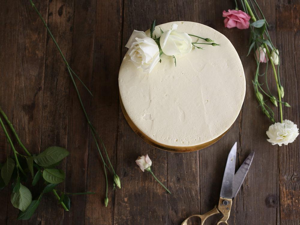 laurennicolefoot-2018-august-11-wedding-engagement-cake-10.jpg