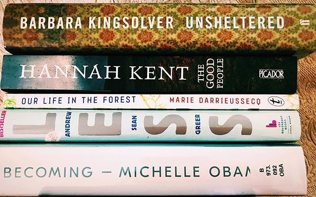 My #tbr #summerreads pile for New Zealand #Less #Becoming #Unsheltered #OurLifeInTheForest #TheGoodPeople haven't finished all yet because trip was so active 🙌🏼#Less is my favourite so far - funny, wise, seemingly effortless which is an achievement - deserved its #Pulitzer 🥇#books #bookworm #booklover #bookstagram #bookstagrammer #amreading #reading #goodreads #bibliophile #currentlyreading #booklove #igreads #bookofthemonth #ipreview via @preview.app