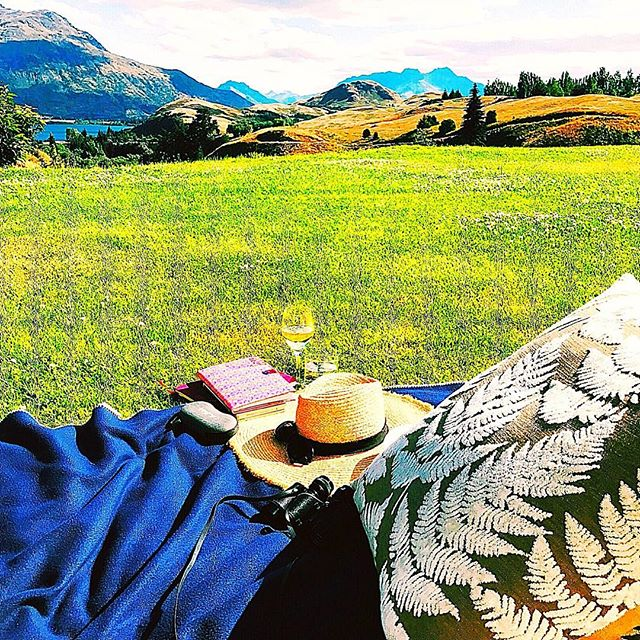 My special reading place on our #NewZealand holiday ❤️. I went through my #tbrpile and even wrote a little 😍🥂I'll be clicking my heels 👠 and returning for a few hours tomorrow 🤞🤞#calm #HowsTheSerenity #zen #sanctuary #millbrookresort #peace #writersofinsta #writerscommunity #writerslife #ipreview via @preview.app