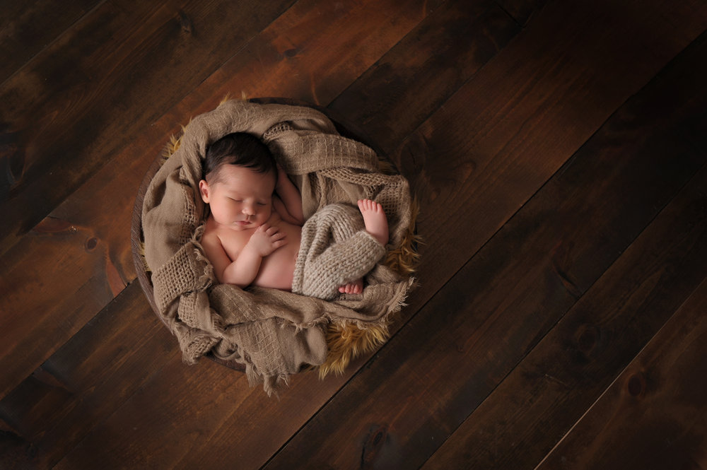 professional-newborn-baby-and-family-photos-culpeper-va-03