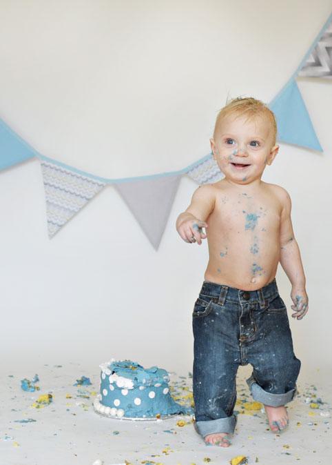 baby-cake-smash-1st-birthday-culpeper-va-19.jpg