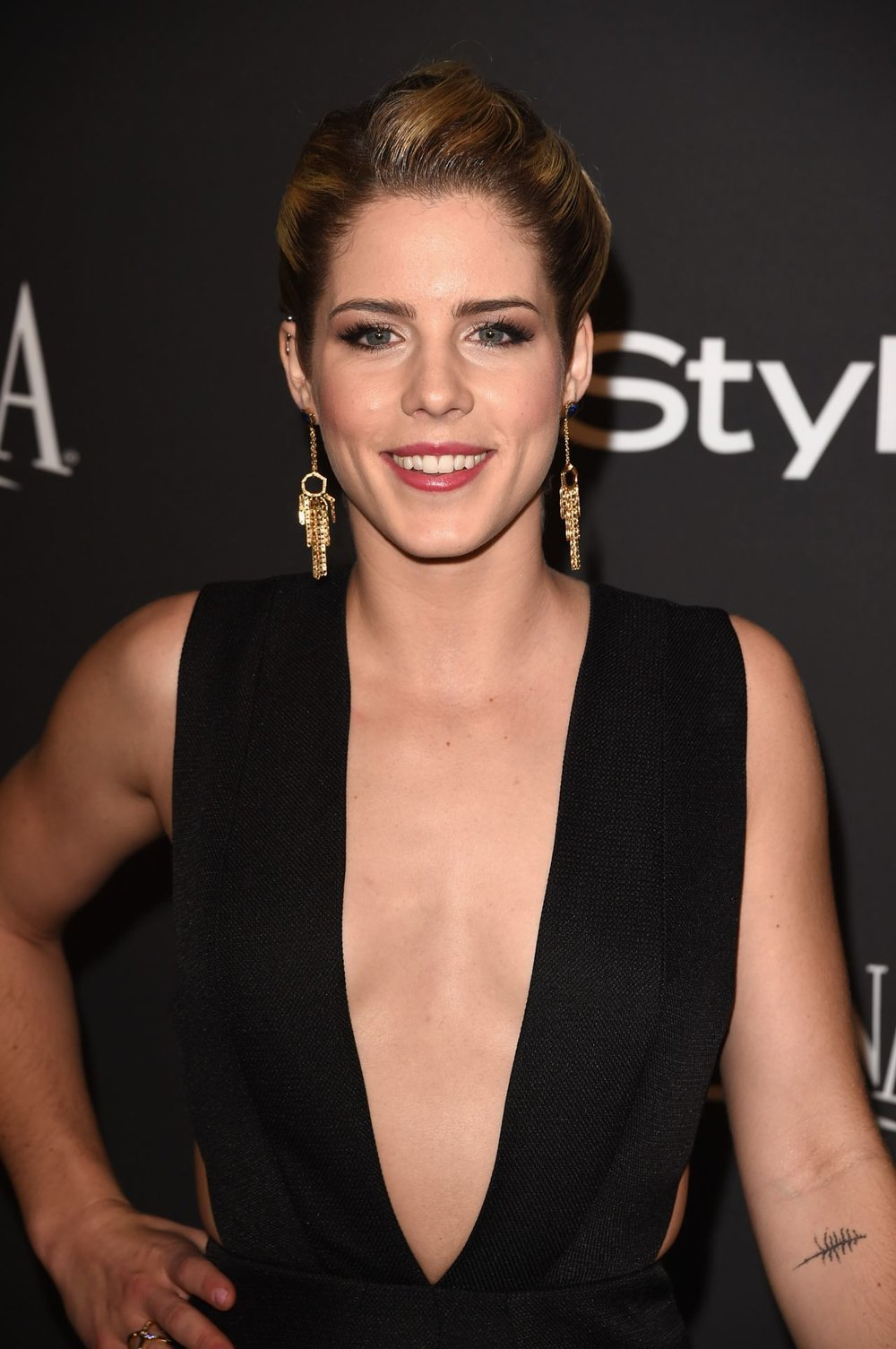 emily-bett-rickards-instyle-and-warner-bros-2015-golden-globes-party_1.jpg