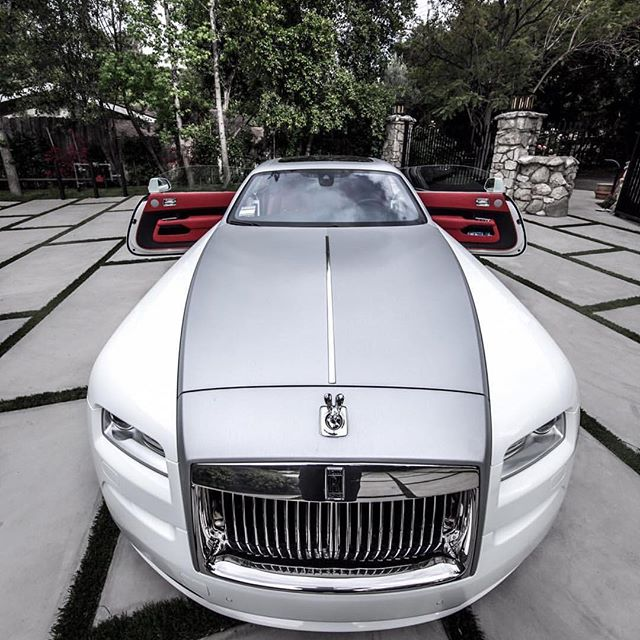 What #2018 Christmas presents for my team gone look like.🏁 🏁🏁 #hiphop #cars #rich #forbes #producer #motivation #instagram #inspired #inspiration #producerlife #singer #rapper #musician #hiphop #comment #comments #rap #rnb #rapcaviar #yfrs #manager #recordlabel #YoungMogul #TrackKillers