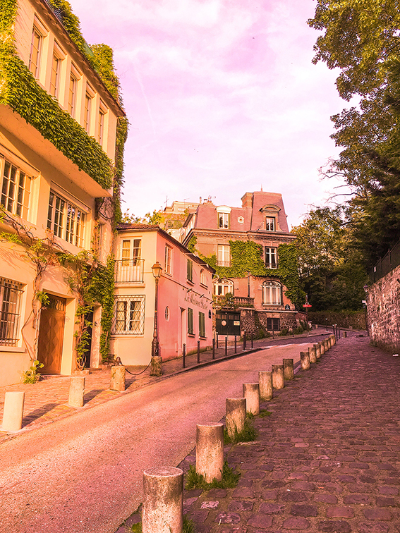 Spring in Paris France_Montmartre Pink Houses_Old Parisian Romantic Streets_Dreamy Travel_Pretty Cities_HELLO MISS MAY.jpg