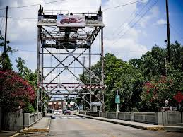 Breaux Bridge Bridge.jpg