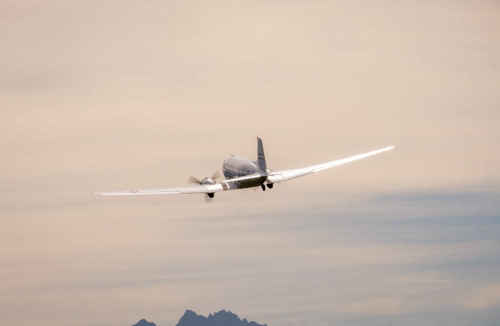 DC 3 takeoff