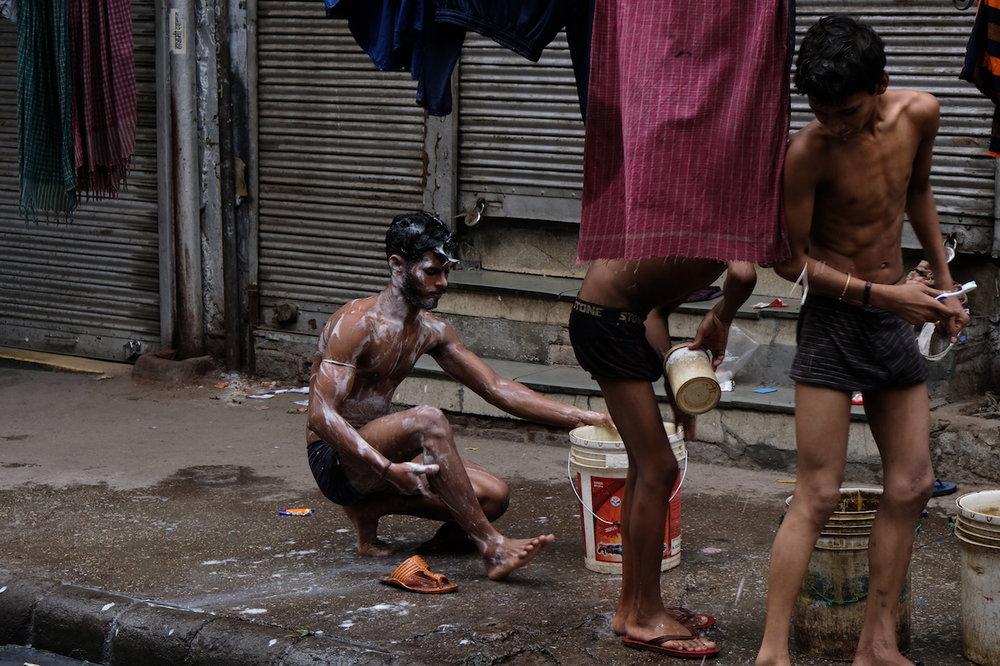 Wash time, Old Delhi