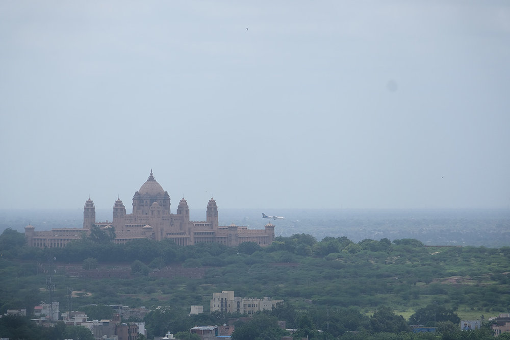 Umaid Bhawan Palace and incoming flight, Jodhpur