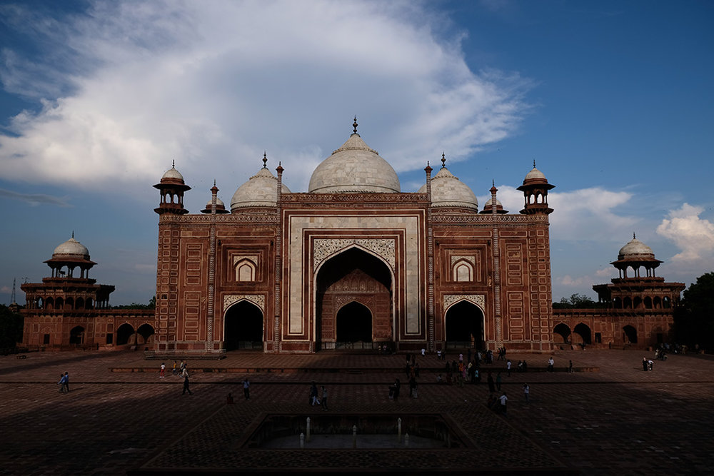 The Taj Mahal casts it's shadow