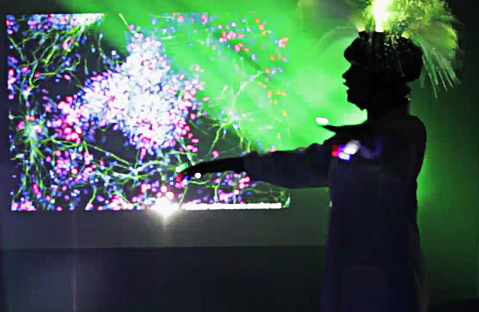 neuronal disco.jpg