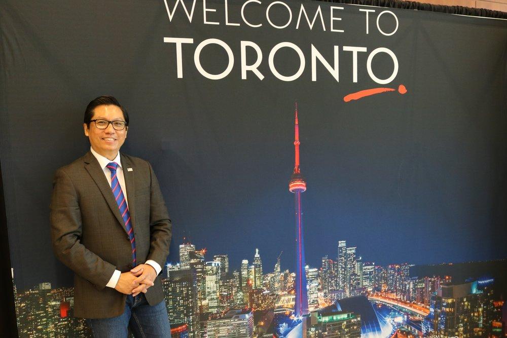 03 Dr Dean Kyne Toronto.jpg