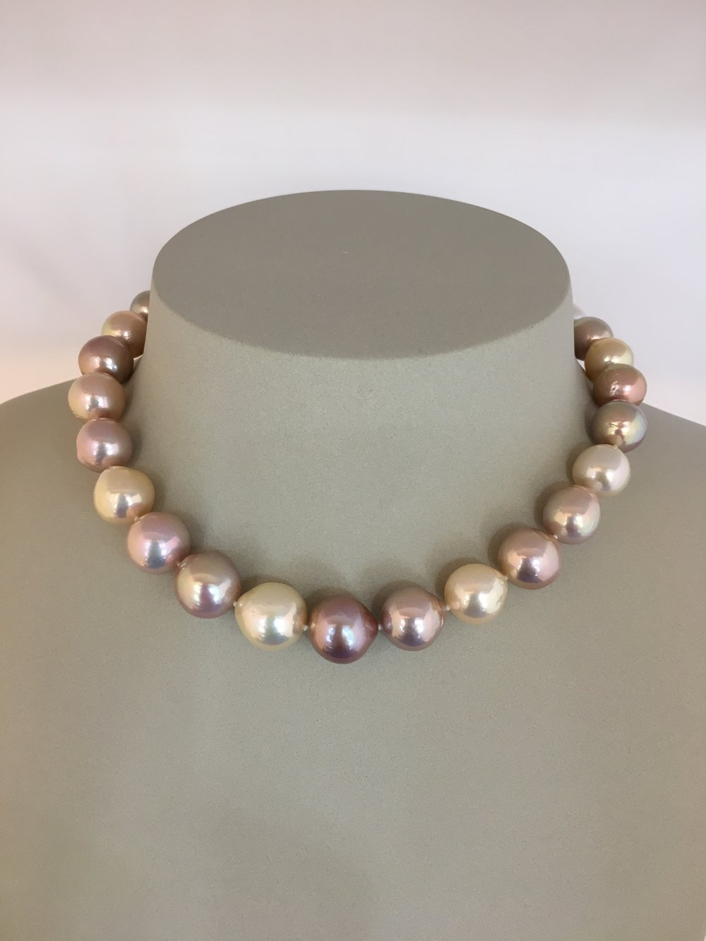 Freshwater Pearl Necklae