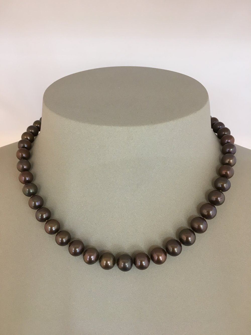 18ct Gold Brown Pearls Necklace