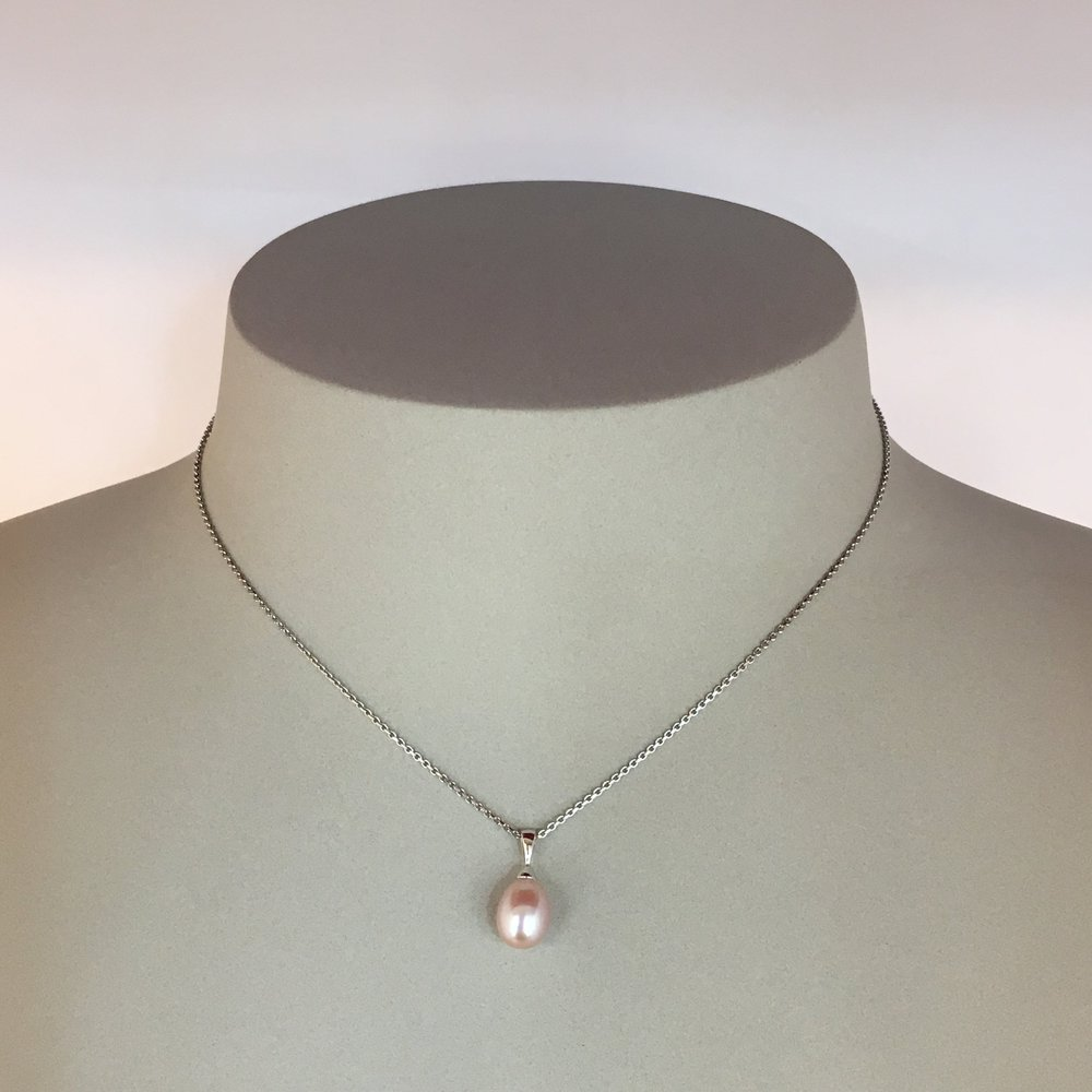 14ct White Gold Pink Pearl Pendant & Chain