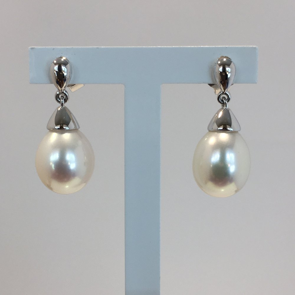 18ct White Gold Pearl Drop Earrings
