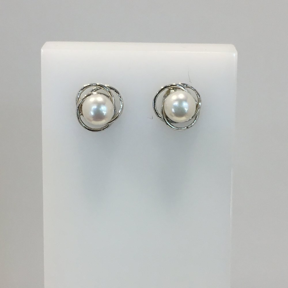 14ct White Gold Pearl Studs
