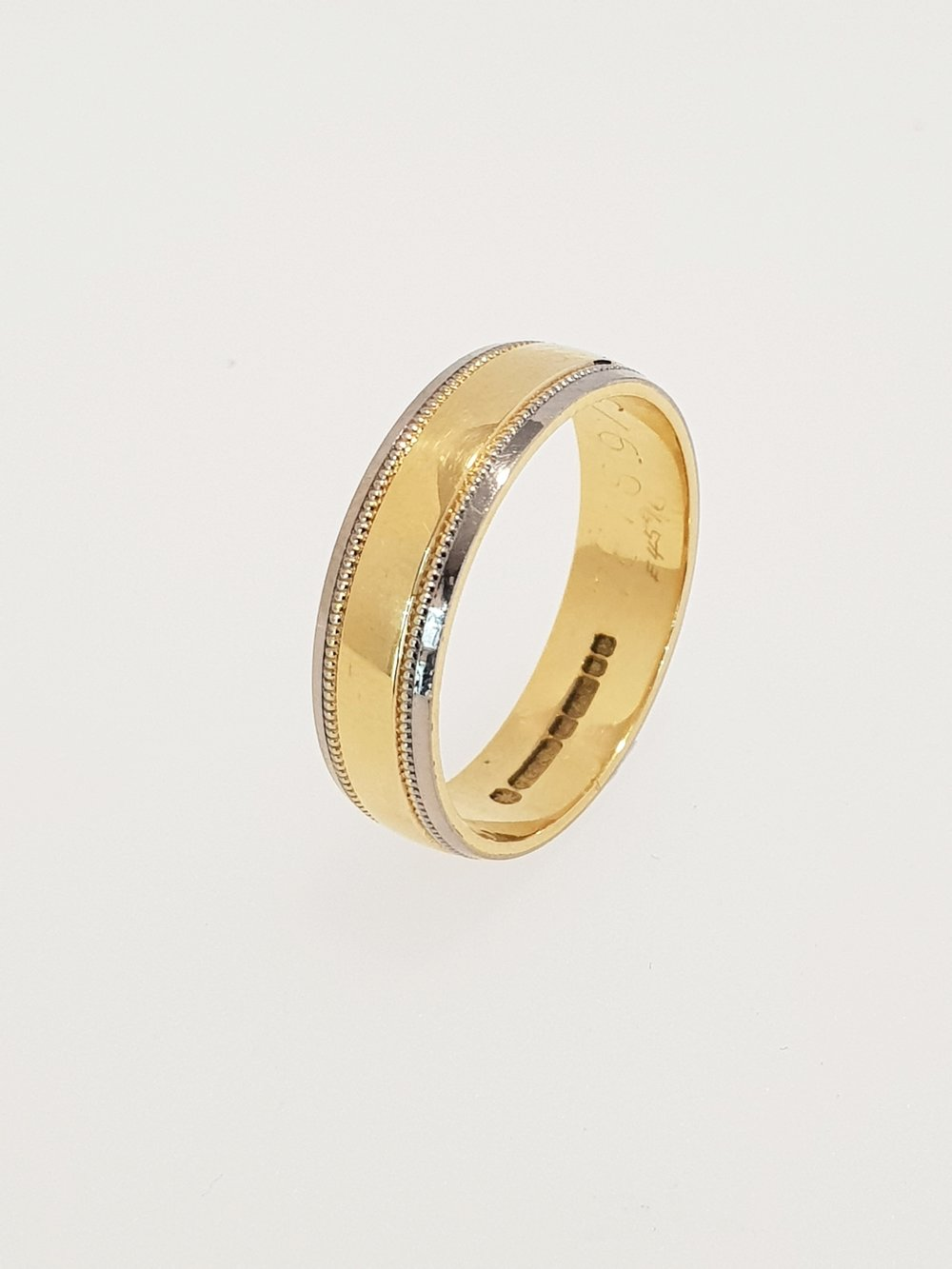 18ct Yellow Gold 5mm Band
