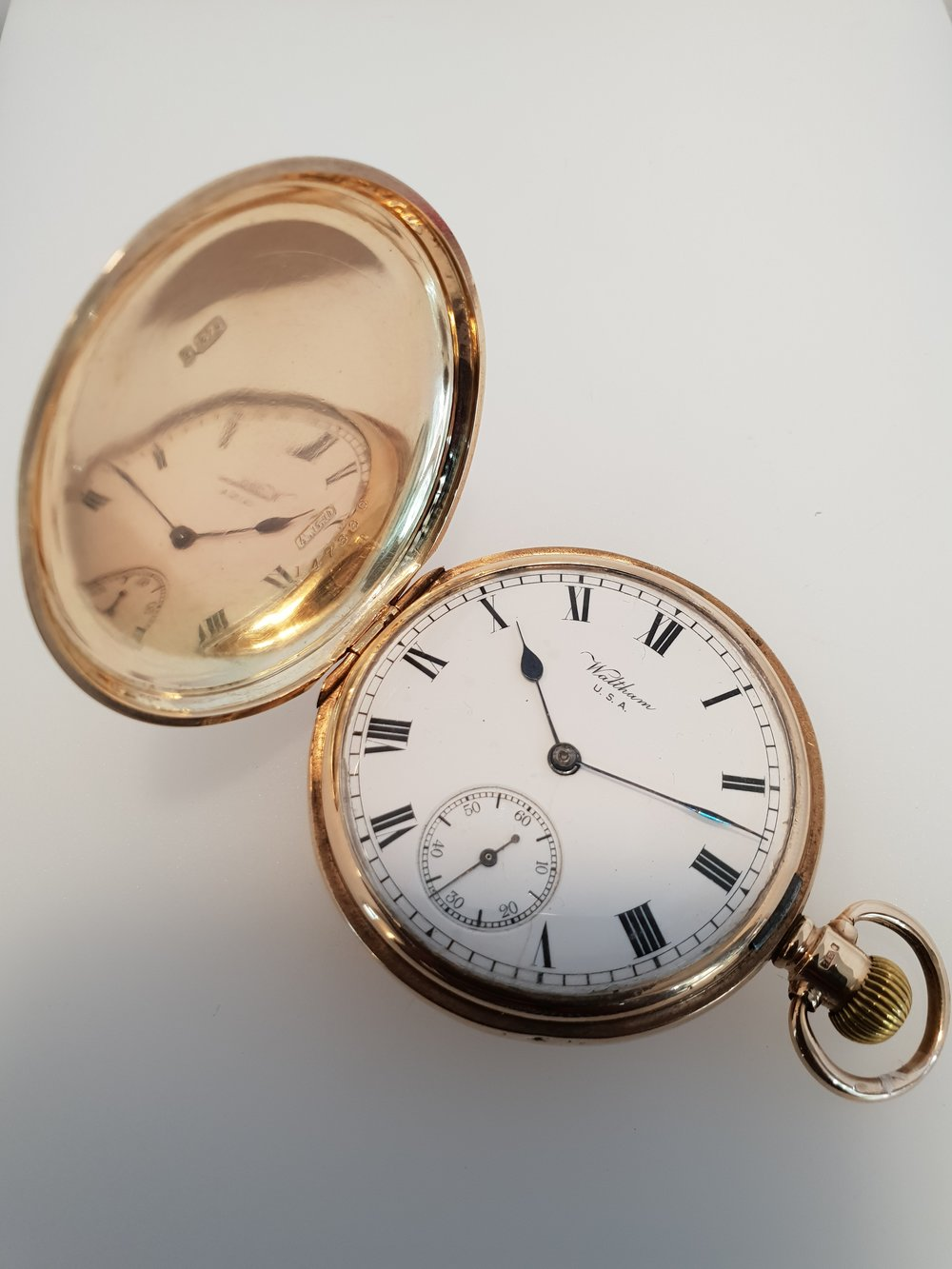 9ct Gold Waltham Hunter Pocket Watch, Circa 1918.  Stock Code: Y754  Our Price: £1200