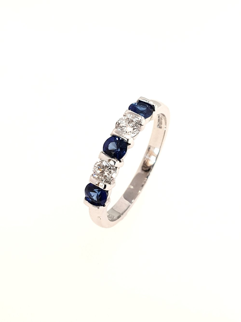 18ct White Gold Sapphire & Diamond Ring  .30ct, G, SI1 (Dia) & .55ct (Saph)  Stock Code: N8526  £1575