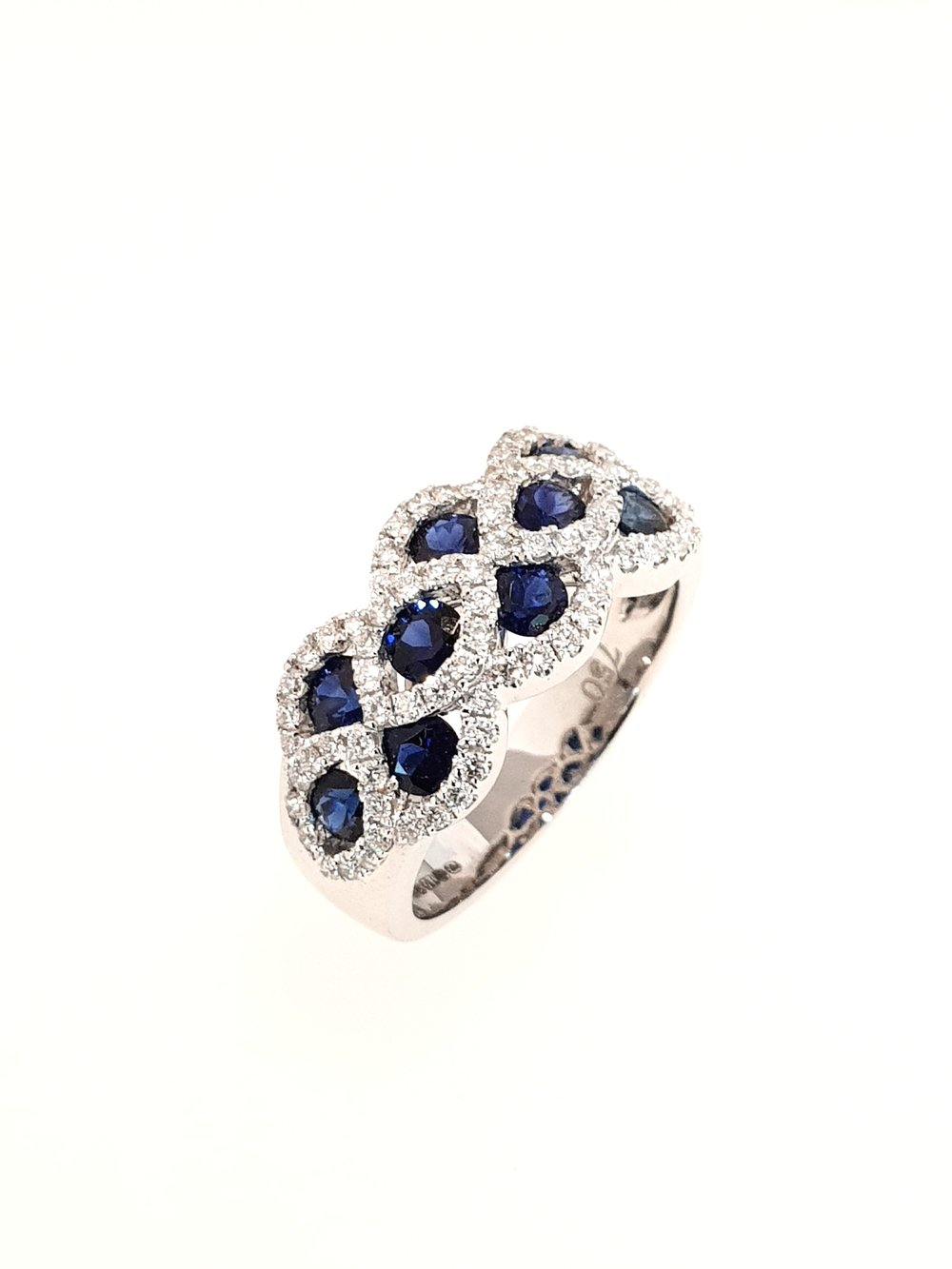 18ct White Gold Sapphire & Diamond Ring  Diamond: .50ct, G, Si1  Stock Code: N8943  £3800