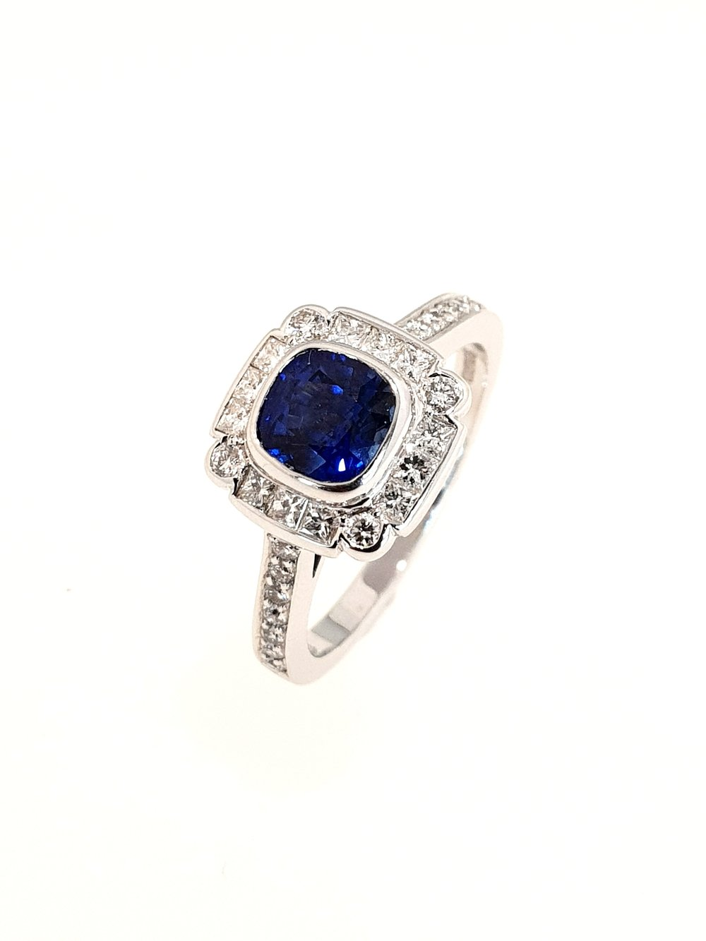 18ct White Gold Sapphire(.24ct) & Diamond Ring  Diamond: .29ct, G, Si1  Stock Code: N8944  £5500