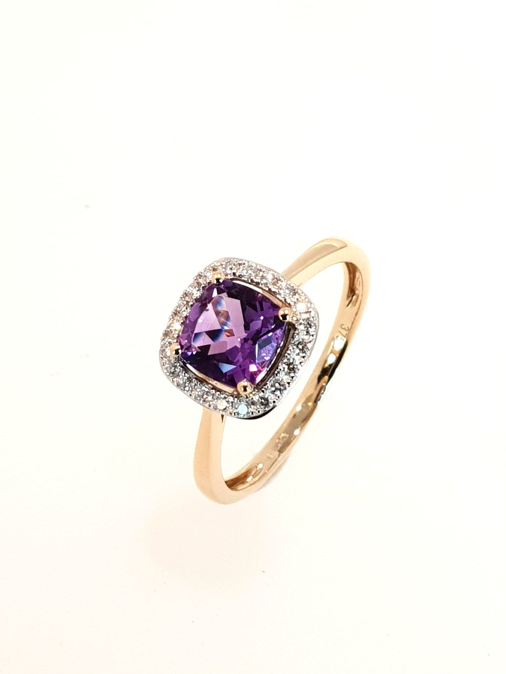 9ct Yellow Gold Amethyst(.95ct) & Diamond(.12ct) Ring  Stock Code: G1968  £630