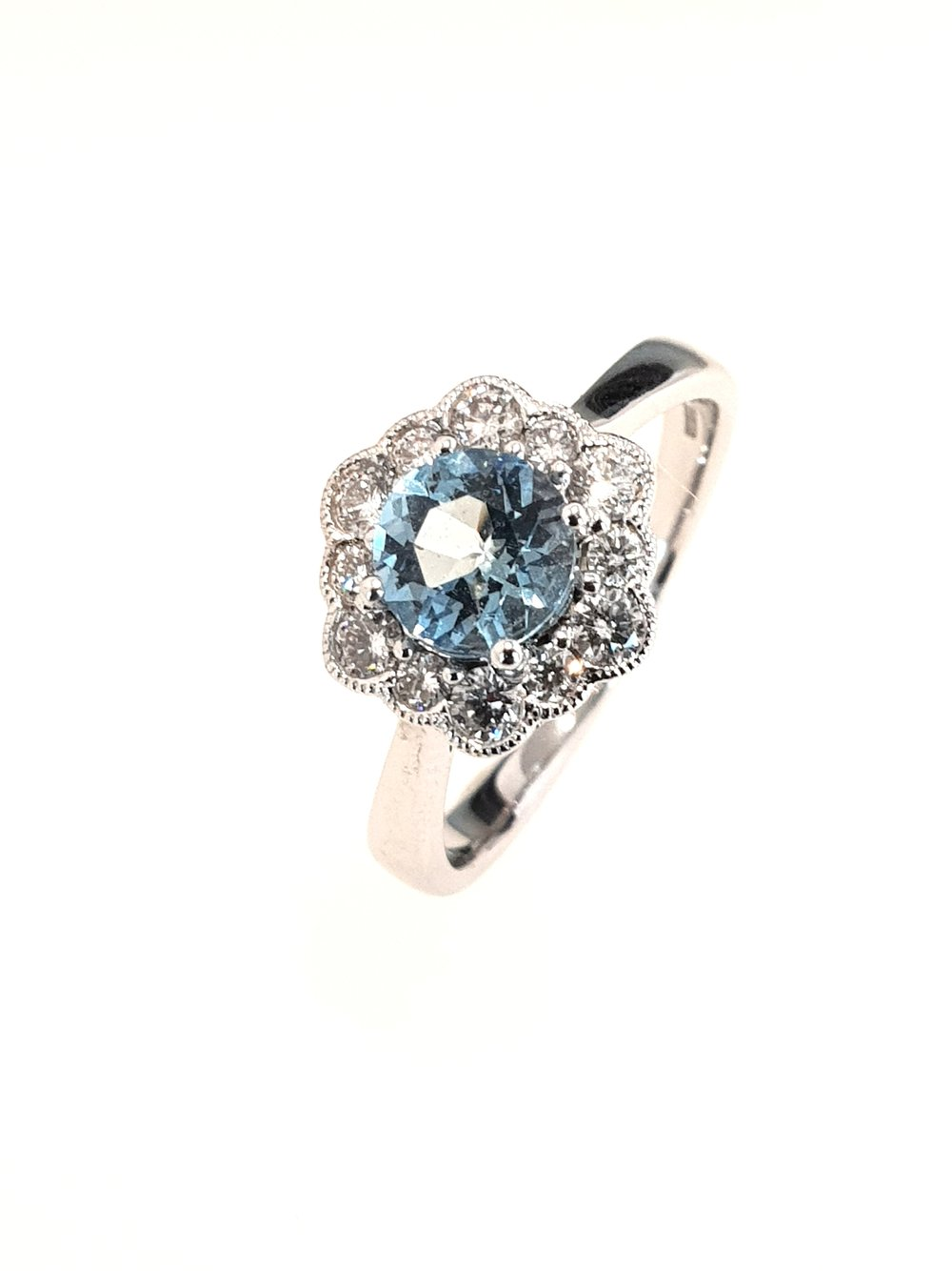18ct White Gold Aquamarine(.67ct) & Diamond Ring  Diamond: .20ct, G, Si1  Stock Code: N8948  £1650