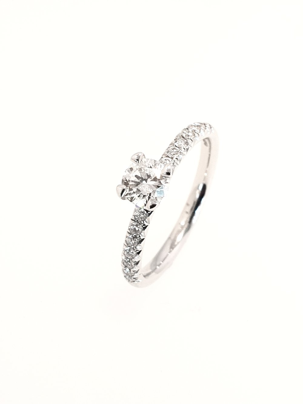 Platinum Diamond Ring, Tulip Set  .68ct, G, Si1  Stock Code: N8900  £3300