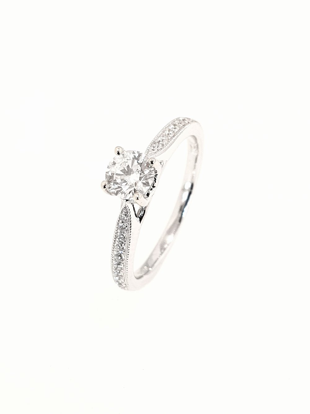 18ct White Gold Diamond Ring, Brilliant  .51ct, G, Si1  Stock Code: N8936  £2000